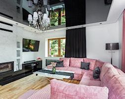 Realizacja domu jednorodzinnego w stylu glamour z odrobiną stylu skandynawskiego - Duży biały salon, styl glamour - zdjęcie od Magdalena Marszałek