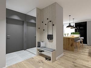 Mieszkanie w industrialnym stylu - Średni beżowy szary hol / przedpokój, styl industrialny - zdjęcie od Studio Archi S