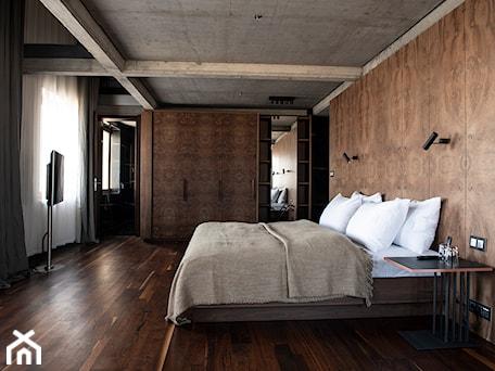 Aranżacje wnętrz - Sypialnia: Hotel Warszawa - Duża biała czarna sypialnia małżeńska, styl art deco - Delft Studio. Przeglądaj, dodawaj i zapisuj najlepsze zdjęcia, pomysły i inspiracje designerskie. W bazie mamy już prawie milion fotografii!