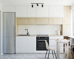 Zabudowa+kuchenna+w+w%C4%85skiej+kuchni+-+zdj%C4%99cie+od+Studio+M+kwadrat+%7C+architektura+wn%C4%99trz