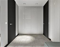 Hol z szafą w zabudowie - zdjęcie od MG Design - Homebook