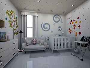 kids room - Duży biały pokój dziecka dla chłopca dla dziewczynki dla niemowlaka, styl klasyczny - zdjęcie od augustyndesign