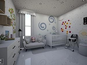 kids room - Średni biały kolorowy pokój dziecka dla chłopca dla niemowlaka, styl klasyczny - zdjęcie od augustyndesign