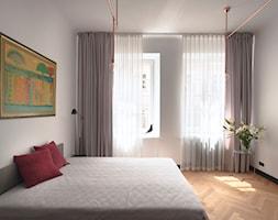 Kawalerka w zabytkowej kamienicy - Sypialnia, styl eklektyczny - zdjęcie od DEMBOWSKA / JAGIEŁŁO studio architektury - Homebook