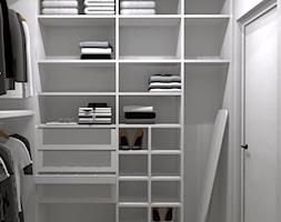 WOMEN'S PARADISE - Średnia zamknięta garderoba oddzielne pomieszczenie - zdjęcie od BIURO PROJEKTOWE ARTLABB - ARCHITEKT / PROJEKTANT WNĘTRZ