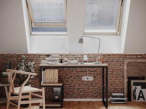 Średnie białe biuro kącik do pracy na poddaszu w pokoju, styl industrialny - zdjęcie od George Azzar