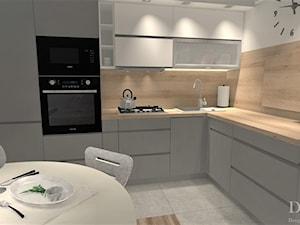 Nowoczesna kuchnia - styl skandynawski - Mała zamknięta biała szara kuchnia w kształcie litery l, styl skandynawski - zdjęcie od Projekty Wnętrz DOYS