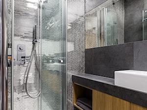 Apartament na Masarskiej - Mała łazienka w bloku w domu jednorodzinnym bez okna, styl nowoczesny - zdjęcie od Loftstudio