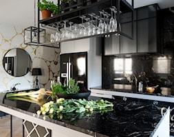 klasyczna+kuchnia+z+elementami+industrialnymi+-+zdj%C4%99cie+od+Sobkowiak+Architektura