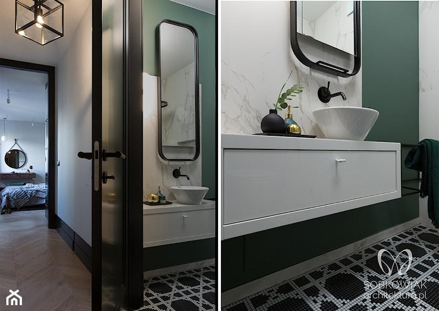 Zielono Biała łazienka W Stylu Klasycznym Zdjęcie Od