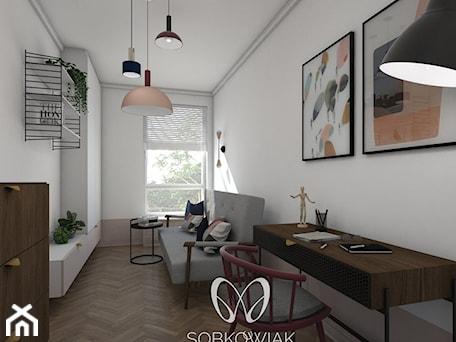 Aranżacje wnętrz - Biuro: Colourful 50's - Średnie białe biuro kącik do pracy w pokoju, styl eklektyczny - Sobkowiak Architektura . Przeglądaj, dodawaj i zapisuj najlepsze zdjęcia, pomysły i inspiracje designerskie. W bazie mamy już prawie milion fotografii!
