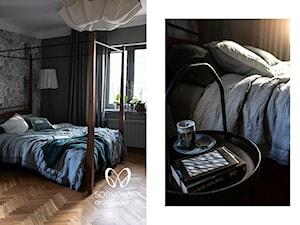 W chmurach - Mała czarna sypialnia małżeńska, styl eklektyczny - zdjęcie od Sobkowiak Architektura