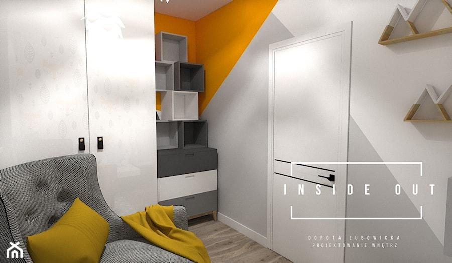Mieszkanie na Osiedlu Maciejka v2 - Średni biały szary pomarańczowy pokój dziecka dla chłopca dla dziewczynki dla nastolatka, styl skandynawski - zdjęcie od INSIDE OUT Dorota Lubowicka Projektowanie Wnętrz