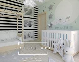 Pokój dla noworodka - Średni szary zielony czarny pokój dziecka dla chłopca dla dziewczynki dla niemowlaka, styl skandynawski - zdjęcie od INSIDE OUT Dorota Lubowicka Projektowanie Wnętrz