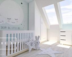 Pokój dla noworodka - Średni szary zielony pokój dziecka dla chłopca dla dziewczynki dla niemowlaka, styl skandynawski - zdjęcie od INSIDE OUT Dorota Lubowicka Projektowanie Wnętrz