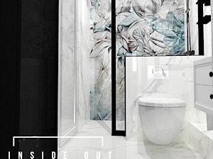 Łazienka w czerni i bieli - zdjęcie od INSIDE OUT Dorota Lubowicka Projektowanie Wnętrz