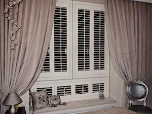 Sypialnia w pałacowym stylu SHUTTERS
