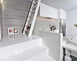Mieszkanie ze Strychem - Schody - zdjęcie od Strukturadizajn