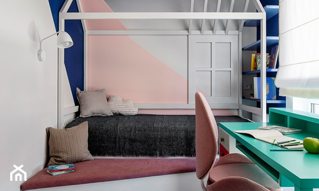 łóżeczko w kształcie domku