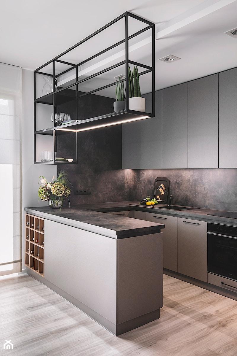 Apartament w Gdyni - Mała otwarta biała czarna kuchnia w kształcie litery u z oknem, styl nowoczesny - zdjęcie od Kowalczyk Gajda Studio Projektowe