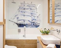 Mieszkanie Gdańsk Niepołomicka - Mała biała beżowa łazienka bez okna, styl klasyczny - zdjęcie od Kowalczyk-Gajda Studio Projektowe