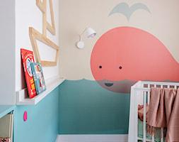 Mieszkanie Gdańsk Niepołomicka - Mały biały beżowy niebieski pokój dziecka dla chłopca dla dziewczynki dla niemowlaka, styl klasyczny - zdjęcie od Kowalczyk-Gajda Studio Projektowe