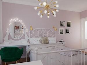 Aranżacja różowej sypialni i pokoju w jednym pomieszczeniu