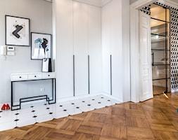 Mieszkanie w kamienicy - Hol / przedpokój - zdjęcie od Piękne Wnętrza Agata i Waldemar Smolińscy - Homebook