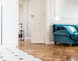Mieszkanie w kamienicy - Salon - zdjęcie od Piękne Wnętrza Agata i Waldemar Smolińscy - Homebook