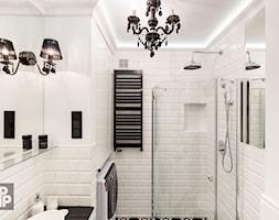 MIESZKANIE - SOSNOWIEC - Średnia biała łazienka w bloku w domu jednorodzinnym bez okna, styl klasyczny - zdjęcie od ARCHITEKTURA WNĘTRZ ALEKSANDRA MICHALAK