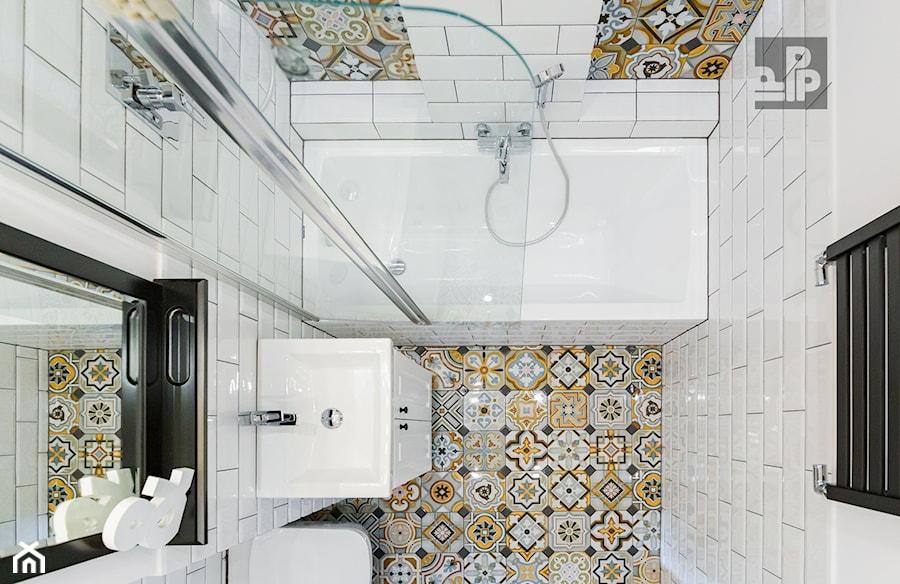 Aranżacje wnętrz - Łazienka: MIESZKANIE - KRAKÓW - GROTTGERA - Średnia biała łazienka w bloku w domu jednorodzinnym bez okna, styl rustykalny - ARCHITEKTURA WNĘTRZ ALEKSANDRA MICHALAK. Przeglądaj, dodawaj i zapisuj najlepsze zdjęcia, pomysły i inspiracje designerskie. W bazie mamy już prawie milion fotografii!