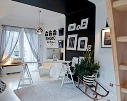 biuro SHOKO.design - Średnie czarne białe biuro kącik do pracy w pokoju, styl eklektyczny - zdjęcie od SHOKO.design