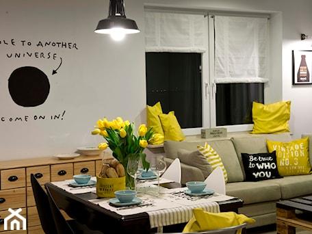Aranżacje wnętrz - Salon: HOLE to another Universe - Średni biały salon z jadalnią, styl eklektyczny - SHOKO.design. Przeglądaj, dodawaj i zapisuj najlepsze zdjęcia, pomysły i inspiracje designerskie. W bazie mamy już prawie milion fotografii!