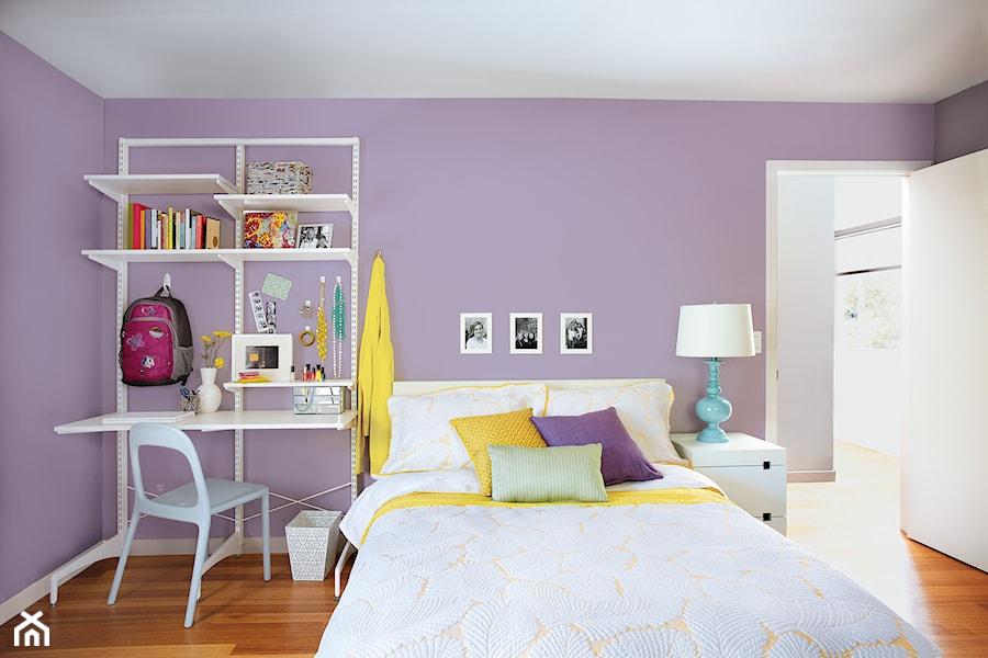 Inspiracje - Mały fioletowy pokój dziecka dla dziewczynki dla nastolatka, styl nowoczesny - zdjęcie od Command Inspiracje