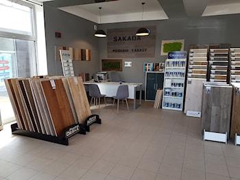 Sakada Podłogi Tarasy - salon firmowy producenta podłóg drewnianych