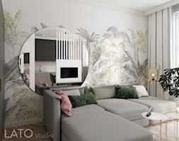 Projekt mieszkania typu studio w Warszawie - Mały szary salon z kuchnią z jadalnią - zdjęcie od LATO studio