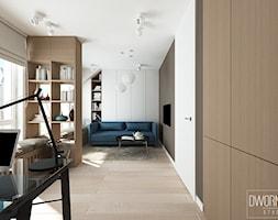DOM Z OBRAZAMI - Średnie beżowe szare białe biuro domowe kącik do pracy w pokoju, styl nowoczesny - zdjęcie od DWORNICKA STUDIO - Homebook