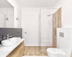 """Dom na wakacje - Mała łazienka w bloku w domu jednorodzinnym z oknem bez okna - zdjęcie od Pracownia Aranżacji Wnętrz """"O-kreślarnia"""""""