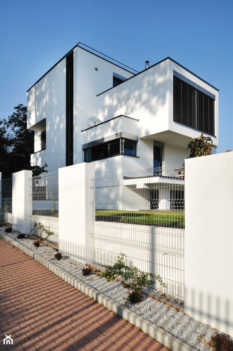 dom xv - Duże dwupiętrowe nowoczesne domy pasywne murowane, styl nowoczesny - zdjęcie od RS+ Robert Skitek