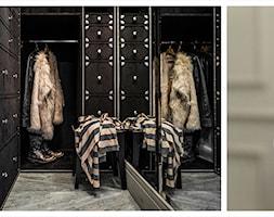 APARTAMENT SOPOT - Średnia zamknięta garderoba przy sypialni, styl art deco - zdjęcie od FABRYKA WNETRZ