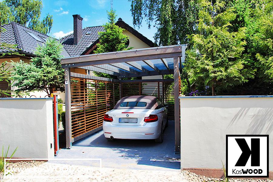Wiata garażowa z zabudową. - zdjęcie od koswood