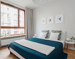Obrzeźna FLIP - Średnia szara sypialnia małżeńska, styl skandynawski - zdjęcie od Fotownętrza - Homebook