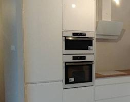 Kuchnia+w+bieli+-+zdj%C4%99cie+od+domatum.pl