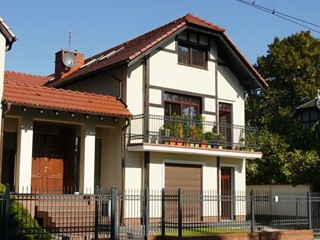 Rozbudowa domu jednorodzinnego dwulokalowego