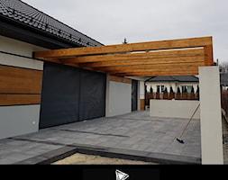 ZADASZENIE ZE SZKŁEM TYP L - Średni taras z tyłu domu, styl nowoczesny - zdjęcie od Dom_i_Ogrod_Cudzynowice