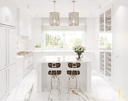 Biała kuchnia z calacattą - zdjęcie od Elegance of Tailors