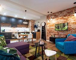 Średni szary salon z kuchnią z jadalnią, styl nowoczesny - zdjęcie od Teresa Switkiewicz Fotografia wnetrz
