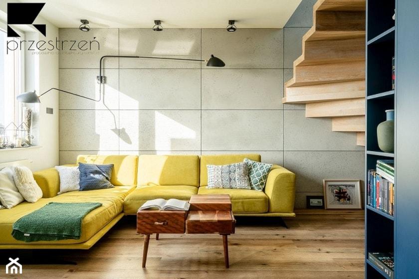 LOFTOVE LOVE - Mały szary salon, styl industrialny - zdjęcie od Przestrzen Pracownia architektury wnetrz Krystyna Sabada