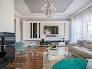 POWIEW ŚWIEŻOŚCI - Duży szary beżowy salon z tarasem / balkonem, styl nowojorski - zdjęcie od Przestrzen Pracownia architektury wnetrz Krystyna Sabada