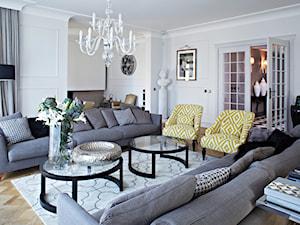 Dom w Wilanowie w nowej odsłonie - Duży biały salon, styl nowojorski - zdjęcie od bbhome.pl